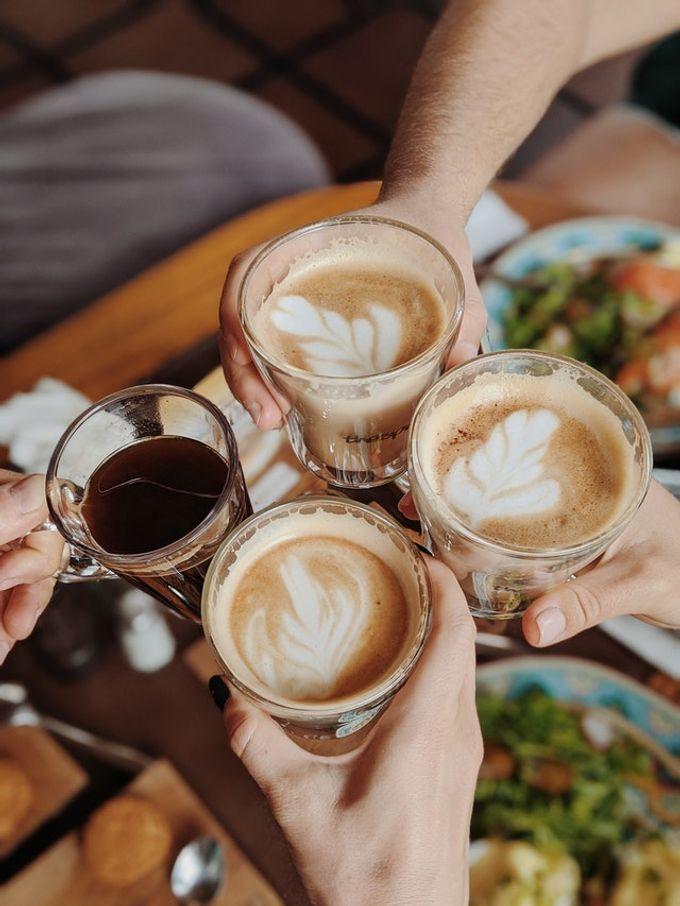 和家人一起喝咖啡